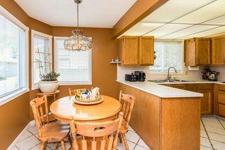 Photo 9: 1069 109 Street in Edmonton: Zone 16 House Half Duplex for sale : MLS®# E4208480