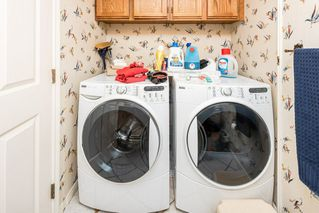 Photo 18: 1069 109 Street in Edmonton: Zone 16 House Half Duplex for sale : MLS®# E4208480