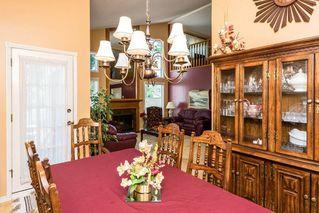 Photo 4: 1069 109 Street in Edmonton: Zone 16 House Half Duplex for sale : MLS®# E4208480