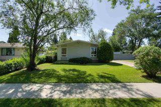 Photo 2: 15421 76 Avenue in Edmonton: Zone 22 House for sale : MLS®# E4209923