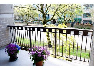 "Photo 8: 208 2161 W 12TH Avenue in Vancouver: Kitsilano Condo for sale in ""THE CARLINGS"" (Vancouver West)  : MLS®# V896194"
