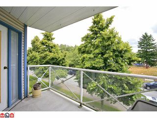 "Photo 9: 309 12101 80TH Avenue in Surrey: Queen Mary Park Surrey Condo for sale in ""Surrey Town Manor"" : MLS®# F1118358"