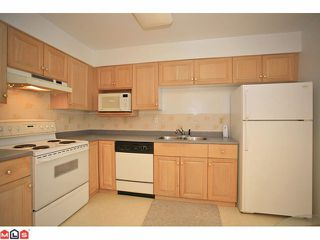 "Photo 4: 309 12101 80TH Avenue in Surrey: Queen Mary Park Surrey Condo for sale in ""Surrey Town Manor"" : MLS®# F1118358"