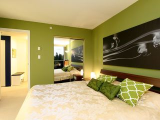 Photo 4: # 1109 2733 CHANDLERY PL in Vancouver: Fraserview VE Condo for sale (Vancouver East)  : MLS®# V1012176