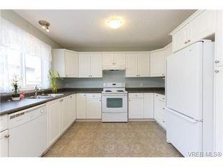 Photo 10: 100 7570 Tetayut Rd in SAANICHTON: CS Saanichton Manufactured Home for sale (Central Saanich)  : MLS®# 669705