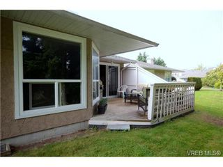 Photo 19: 35 3049 Brittany Drive in VICTORIA: Co Sun Ridge Townhouse for sale (Colwood)  : MLS®# 342860