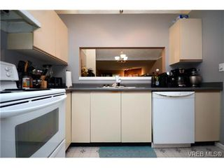 Photo 11: 35 3049 Brittany Drive in VICTORIA: Co Sun Ridge Townhouse for sale (Colwood)  : MLS®# 342860