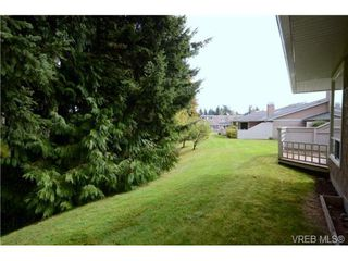 Photo 18: 35 3049 Brittany Drive in VICTORIA: Co Sun Ridge Townhouse for sale (Colwood)  : MLS®# 342860