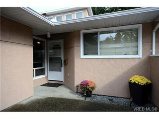 Photo 2: 35 3049 Brittany Drive in VICTORIA: Co Sun Ridge Townhouse for sale (Colwood)  : MLS®# 342860
