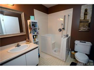 Photo 14: 35 3049 Brittany Drive in VICTORIA: Co Sun Ridge Townhouse for sale (Colwood)  : MLS®# 342860