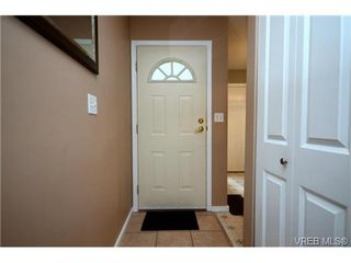 Photo 5: 35 3049 Brittany Drive in VICTORIA: Co Sun Ridge Townhouse for sale (Colwood)  : MLS®# 342860