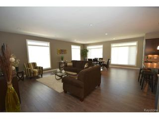 Photo 3: 17 Crystal Drive in OAKBANK: Anola / Dugald / Hazelridge / Oakbank / Vivian Residential for sale (Winnipeg area)  : MLS®# 1500333