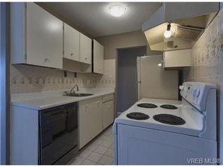 Photo 4: 220 1680 Poplar Ave in VICTORIA: SE Mt Tolmie Condo for sale (Saanich East)  : MLS®# 689793