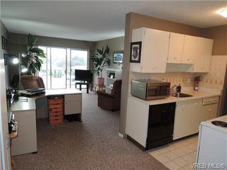 Photo 7: 220 1680 Poplar Ave in VICTORIA: SE Mt Tolmie Condo for sale (Saanich East)  : MLS®# 689793