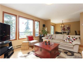 Photo 4: 2637 Tanner Rd in VICTORIA: CS Martindale House for sale (Central Saanich)  : MLS®# 701814