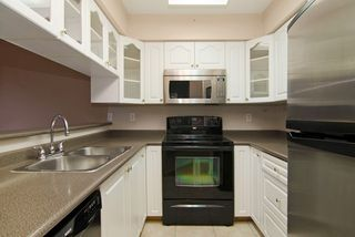 Photo 2: 115 932 ROBINSON Street in Coquitlam: Coquitlam West Condo for sale : MLS®# R2024517