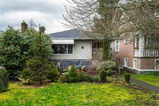 Photo 2: 2653 TRINITY Street in Vancouver: Hastings East House for sale (Vancouver East)  : MLS®# R2044398