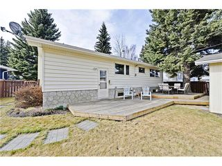 Photo 17: 6628 LETHBRIDGE Crescent SW in Calgary: Lakeview House for sale : MLS®# C4055225