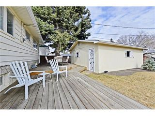 Photo 18: 6628 LETHBRIDGE Crescent SW in Calgary: Lakeview House for sale : MLS®# C4055225