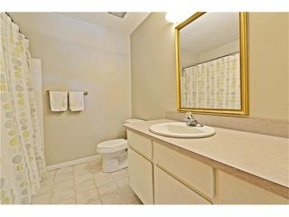 Photo 13: 6628 LETHBRIDGE Crescent SW in Calgary: Lakeview House for sale : MLS®# C4055225