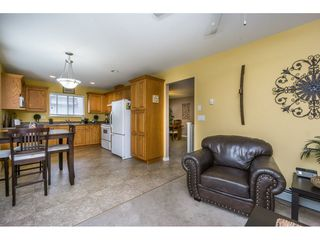 Photo 7: 27938 TRESTLE Avenue in Abbotsford: Aberdeen House for sale : MLS®# R2104396