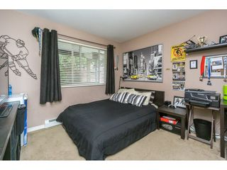 Photo 16: 27938 TRESTLE Avenue in Abbotsford: Aberdeen House for sale : MLS®# R2104396