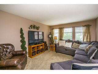 Photo 6: 27938 TRESTLE Avenue in Abbotsford: Aberdeen House for sale : MLS®# R2104396