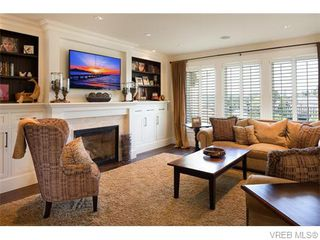 Photo 10: 2067 Hedgestone Lane in VICTORIA: La Bear Mountain Single Family Detached for sale (Langford)  : MLS®# 371659