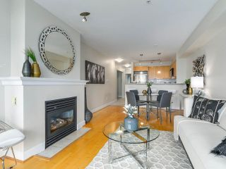 "Photo 8: 301 3637 W 17TH Avenue in Vancouver: Dunbar Condo for sale in ""HIGHBURY HOUSE"" (Vancouver West)  : MLS®# R2131522"