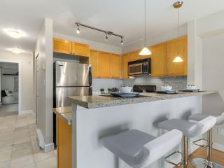 "Photo 11: 301 3637 W 17TH Avenue in Vancouver: Dunbar Condo for sale in ""HIGHBURY HOUSE"" (Vancouver West)  : MLS®# R2131522"