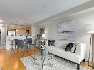 "Photo 9: 301 3637 W 17TH Avenue in Vancouver: Dunbar Condo for sale in ""HIGHBURY HOUSE"" (Vancouver West)  : MLS®# R2131522"