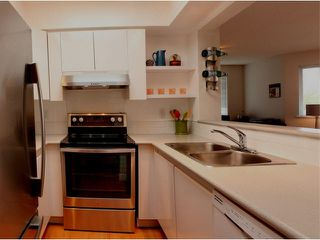 Photo 3: 305 1928 E 11TH AVENUE in : Grandview VE Condo for sale (Vancouver East)  : MLS®# V1126475