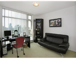 Photo 7: 2808 198 AQUARIUS Mews in Vancouver: Home for sale : MLS®# V725703