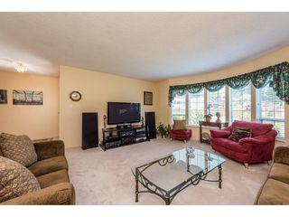 Photo 3: 12329 212 STREET in Maple Ridge: Northwest Maple Ridge House for sale : MLS®# R2186777