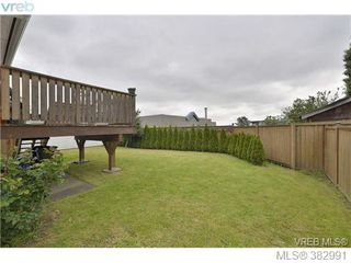 Photo 15: 729 Porter Rd in VICTORIA: Es Old Esquimalt Half Duplex for sale (Esquimalt)  : MLS®# 769529