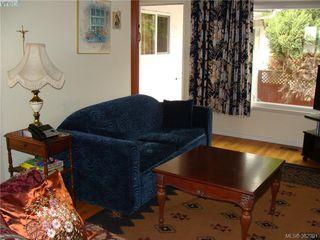 Photo 4: 729 Porter Rd in VICTORIA: Es Old Esquimalt Half Duplex for sale (Esquimalt)  : MLS®# 769529