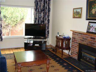 Photo 3: 729 Porter Rd in VICTORIA: Es Old Esquimalt Half Duplex for sale (Esquimalt)  : MLS®# 769529