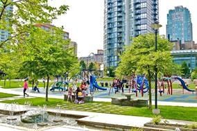 "Photo 3: 410 488 HELMCKEN Street in Vancouver: Yaletown Condo for sale in ""Robinson Tower"" (Vancouver West)  : MLS®# R2239699"
