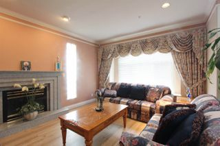 Photo 2: 6262 DOMAN Street in Vancouver: Killarney VE House for sale (Vancouver East)  : MLS®# R2243386