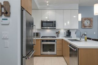 "Photo 3: 201 20 E ROYAL Avenue in New Westminster: Fraserview NW Condo for sale in ""THE LOOKOUT-VICTORIA HILL"" : MLS®# R2248777"