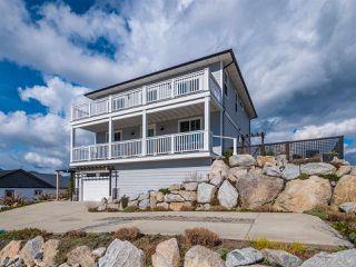 Main Photo: 5799 GENNI'S Way in Sechelt: Sechelt District House for sale (Sunshine Coast)  : MLS®# R2248946