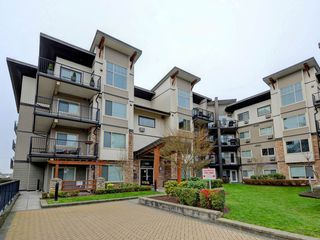 "Photo 1: 403 11935 BURNETT Street in Maple Ridge: East Central Condo for sale in ""KENSINGTON PARK"" : MLS®# R2249321"