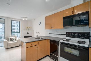 "Photo 2: 1606 939 HOMER Street in Vancouver: Yaletown Condo for sale in ""PINNACLE"" (Vancouver West)  : MLS®# R2253359"