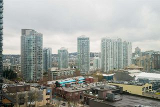 "Photo 11: 1606 939 HOMER Street in Vancouver: Yaletown Condo for sale in ""PINNACLE"" (Vancouver West)  : MLS®# R2253359"