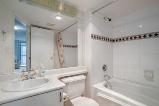 "Photo 12: 1606 939 HOMER Street in Vancouver: Yaletown Condo for sale in ""PINNACLE"" (Vancouver West)  : MLS®# R2253359"