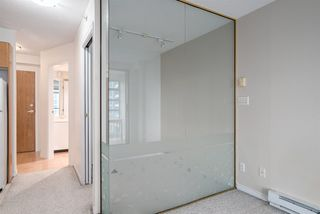 "Photo 4: 1606 939 HOMER Street in Vancouver: Yaletown Condo for sale in ""PINNACLE"" (Vancouver West)  : MLS®# R2253359"