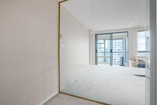 "Photo 13: 1606 939 HOMER Street in Vancouver: Yaletown Condo for sale in ""PINNACLE"" (Vancouver West)  : MLS®# R2253359"