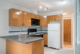 "Photo 1: 1606 939 HOMER Street in Vancouver: Yaletown Condo for sale in ""PINNACLE"" (Vancouver West)  : MLS®# R2253359"