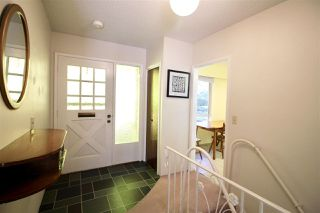 Photo 3: 1667 SCARBOROUGH Crescent in Port Coquitlam: Mary Hill House for sale : MLS®# R2257414