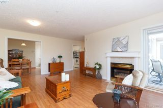 Photo 6: 402 1715 Richmond Road in VICTORIA: Vi Jubilee Condo Apartment for sale (Victoria)  : MLS®# 390708